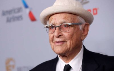Homenajean a la leyenda de la televisión Norman Lear en los Globos de Oro